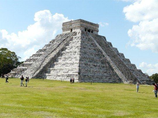 pyramideschichenitzamexique10671857071156954.jpg